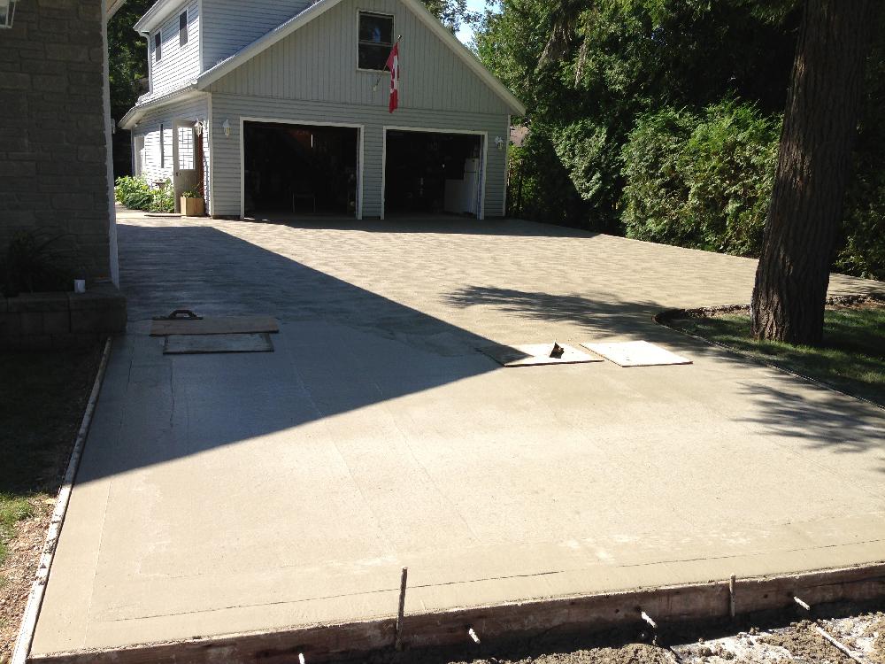 Concrete laneway
