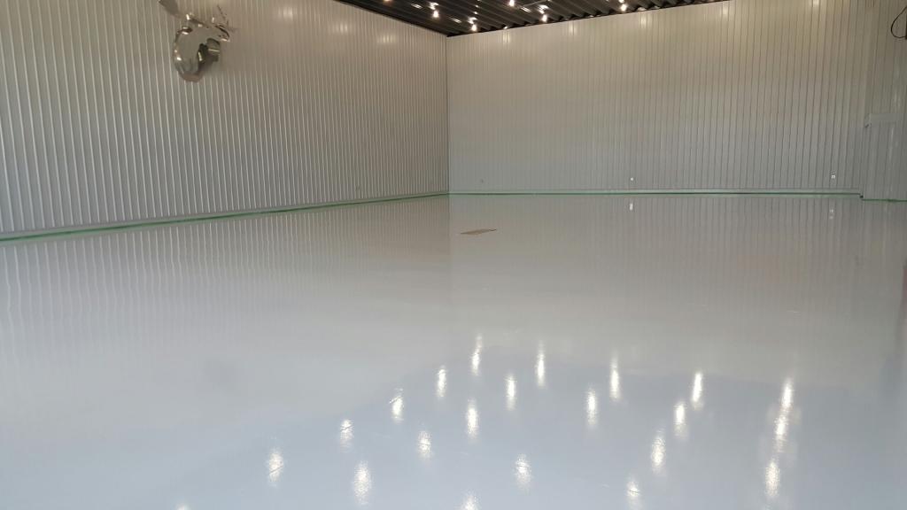 Interior reflective lining